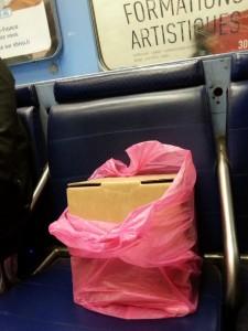 La #theierevoyageuse prend le métro incognito