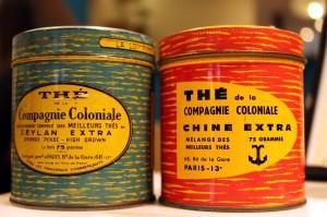 Anciennes boîtes de thé de la Compagnie coloniale