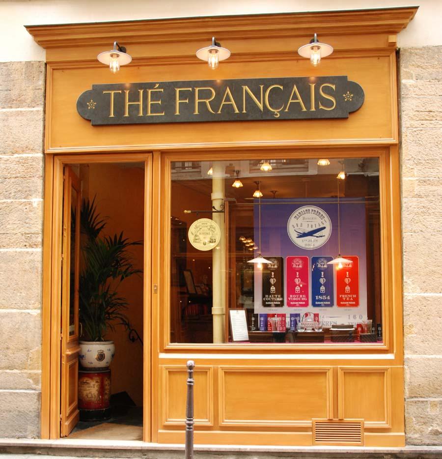 Boutique historique Mariage Frères dans le quartier du Marais.
