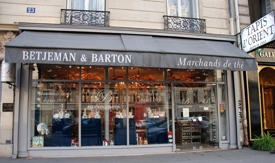 Betjeman and Barton, devanture de la boutique historique
