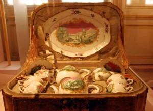 Cabaret, décor vert-rose, 18e siècle  - Exposition Thé, café ou chocolat
