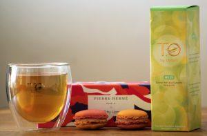 Association très réussie du macaron Jardin oriental de Pierre Hermé avec le thé Citron vert à la Cubain, créé pour la T.O by Lipton.