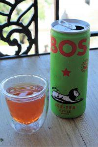 Dégustation du thé glacé à la pomme de chez BOS