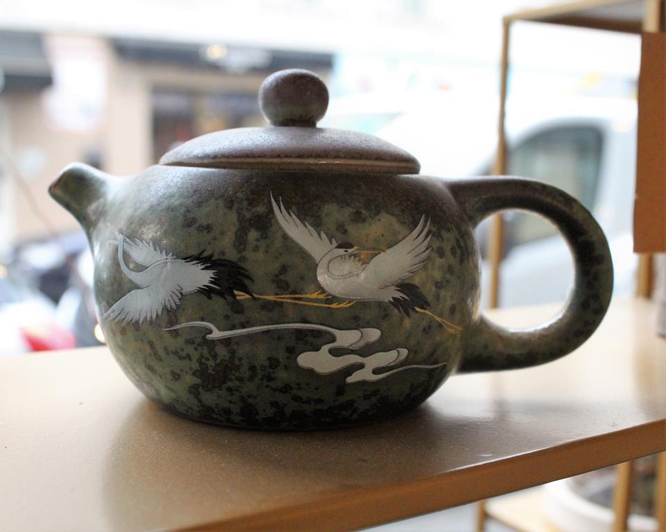 Divinithe-Théière_décorée_vendu_chez_tra art_Nuage de thé